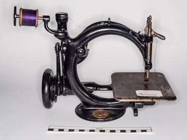 Sewing machine, Wilcox & Gibbs