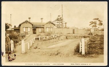 Cheltenham Railway Station c1920