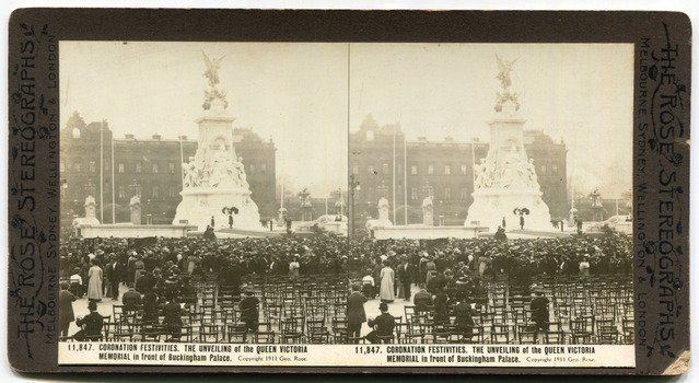 711,847Coronation Festivities. The unveiling of the Queen Victoria Memorial in front of Buckingham Palace.