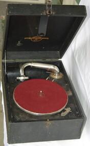 Domestic object - Gramophone, Columbia, Columbia Viva-tonal Grafonola, 1920c