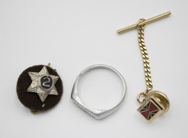 Accessories detailed with war service history.