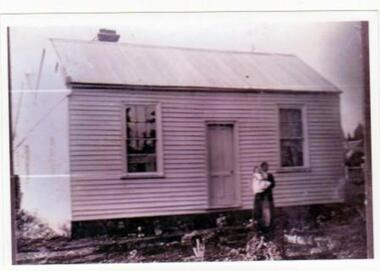 Photo, Unknown, Original O'Neil House, Learmonth, circa early 1900