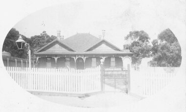 """Photograph, Ringwood Hospital (""""The Pines"""") Adelaide St. (Undated)"""