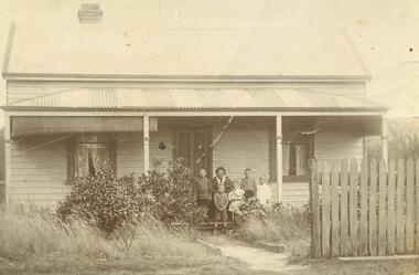 Photograph, Old Pratt Home Ringwood c1913