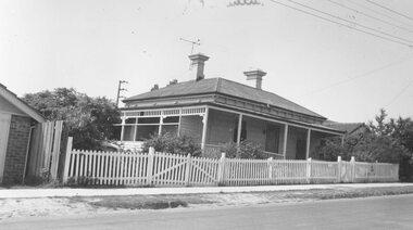 Photograph, Pitt St. Ringwood Police had office on veranda  (undated)