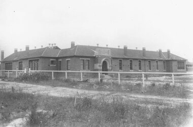 """Photograph, Ringwood State School, Greenwood Avenue, Ringwood, on completion - 1922.  Site was 3 1/2 acres of Count von Hariss' orchard.  Land bought from A. Greenwood MLA"""""""