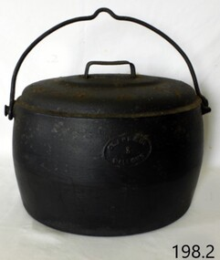 Domestic object - Cooking pot and lid, T & C Clarke and Co Ltd, 1880-1900