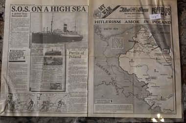 Newspaper - The Sun Newspaper Dated 4/9/1939 - My War Part 2 - Hitlerism Amok In Poland, The Sun Newspaper Dated 4/9/1939 -  Hitlerism Amok In Poland