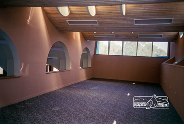 Photograph, Linda McConnell, Construction of Eltham Library; fitting out stage, April 1994, 1994
