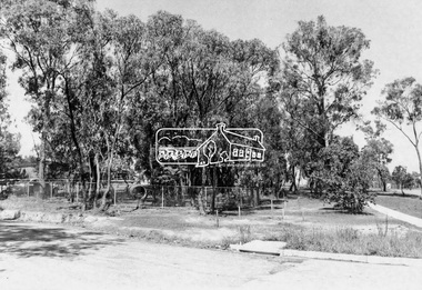 Photograph, W 27, Mitchell Avenue (Reserve next to Montmorency South Primary), 1966c