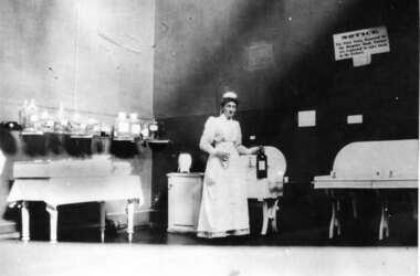 Operating Theatre Alfred Hospital  circa 1907, Photograph, circa 1907