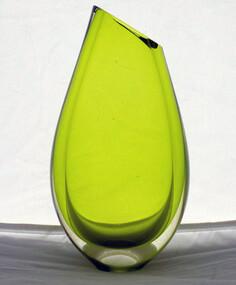 Vase, Glassware, Robert Wynne, c.2012