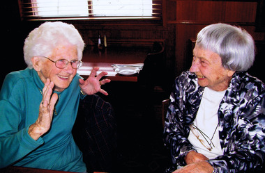 Photograph, Betty Tennis Irvine and D K Henderson at Elsternwick Hotel in 2009