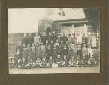 Black and white photograph, Lake Bolac State School  No 854, students of 1921