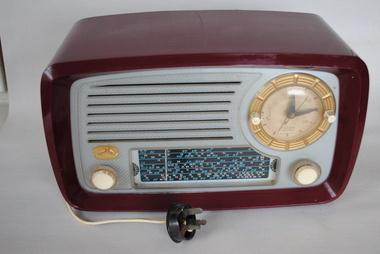 Clock Radio, HMV/EMI, Estimated date: 1950s