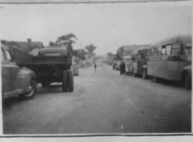 000057 - Photograph - Cars, Trucks, Buses - G Murray