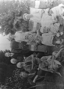 Photograph, John Inglis Lothian and family