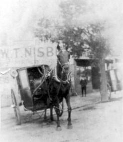Photograph, Fred Lyons' hansom cab, c1916, 1916