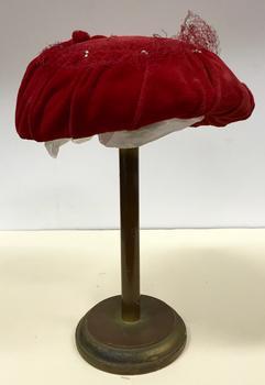 Red Velvet & Net Hat