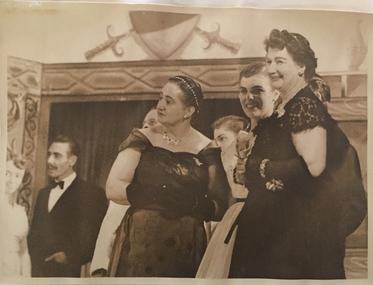 Gay Rosalinda / an arrangement of Johann Strauss's Die Fledermaus
