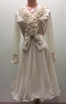 Silk Organza Wedding dress / by Oggi Fashion House, 1971