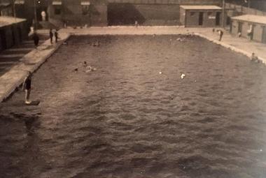 Kew Municipal Baths
