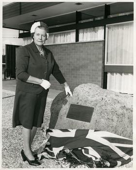 Mrs R. Gordon unveiling the Memorial Plaque to Caroline Chisholm