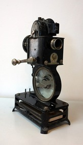 PATHE BABY 9.5mm PROJECTOR, C. 1925